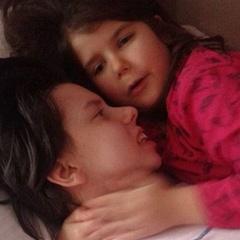 В Сербії жінка прокинулась після семирічної коми і вперше зустрілась із своєю дочкою