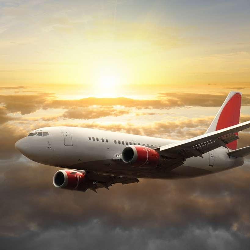 Через втрату зв'язку із пасажирським літаком в Німеччині евакуювали п'ять АЕС