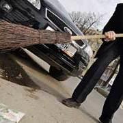 Кличко пригрозив головам районів за брудні вулиці і парки