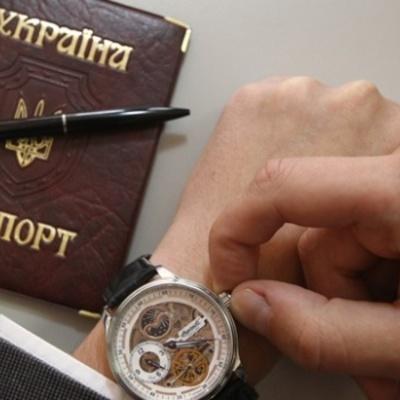 Позбавити подвійного громадянства потрібно спочатку чиновників, які займають високі посади, - блогер