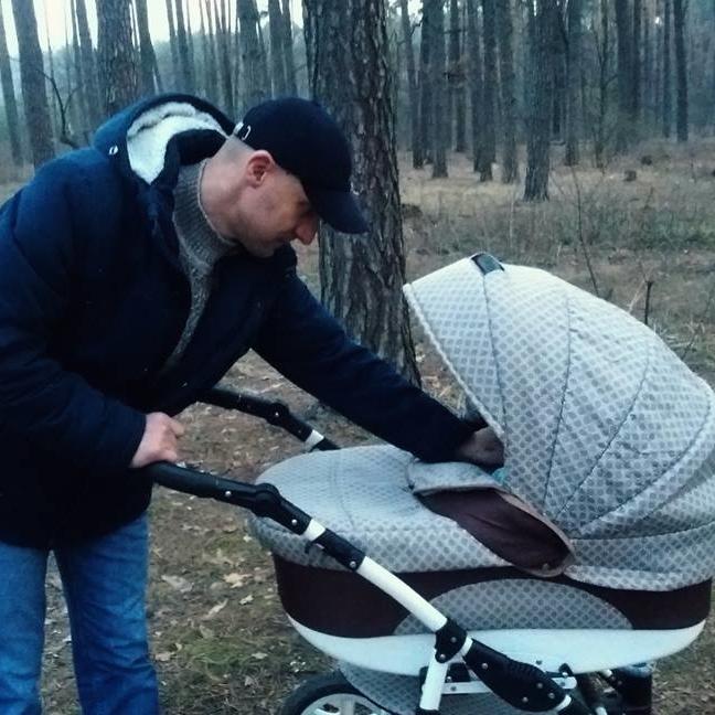 Депутат із «Народного фронту» розповів про свою прогулянку із донечкою (фото)