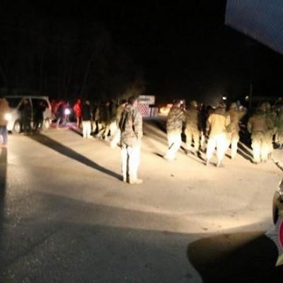 Конфлікт між силовиками й блокадниками стався біля Слов'янська, є постраждалі (фото)