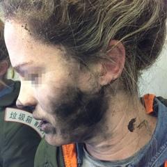У пасажирки авіарейсу вибухнули бездротові навушники