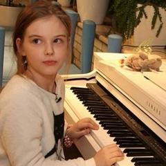 Дев'ятирічна дочка Олександра Абдулова дебютувала в кіно