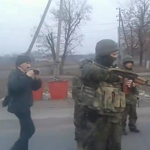 Сутички поліції із блокадниками у Констянтинівці. Поліція озвучила свою версію подій (відео)