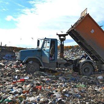 Львівське сміття затримали аж на Донеччині (фото)