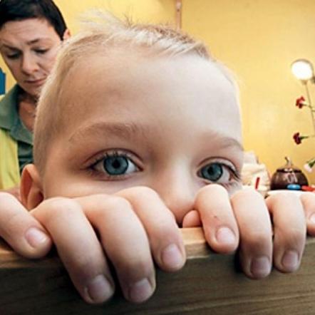 На Прикарпатті горе-мати залишила на тиждень маленьких дітей у голоді і холоді