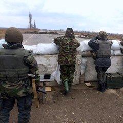 На Луганщині на блокпосту обстріляли цивільний автомобіль
