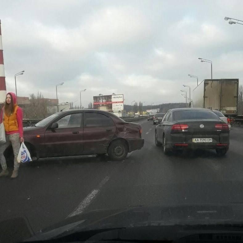 Увага! Рух автотранспорту по Південному мосту обмежено - «Київавтодор»