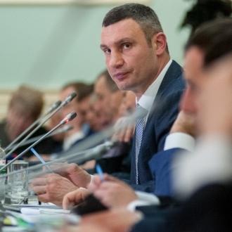 Віталій Кличко: «Асоціація міст України пропонує встановити пільгові тарифи на електричну енергію для потреб зовнішнього освітлення та міського електротранспорту»
