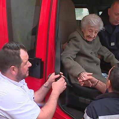 У Франції пожежники здійснили мрію 112-річної бабусі