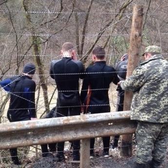 На Закарпатті затримали 14 водолазів-контрабандистів
