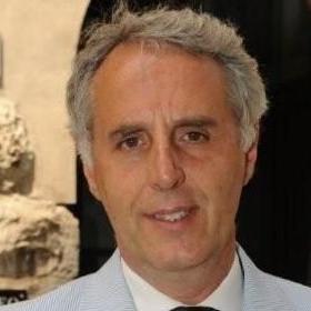 В італійському місті Ізео мер та його радники працюють без зарплати