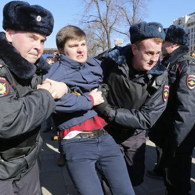 В Америці невдоволені масовими арештами протестантів у Росії