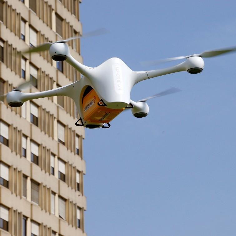 В Швейцарії лікарні почали використовувати дрони для обміну медичними зразками (відео)