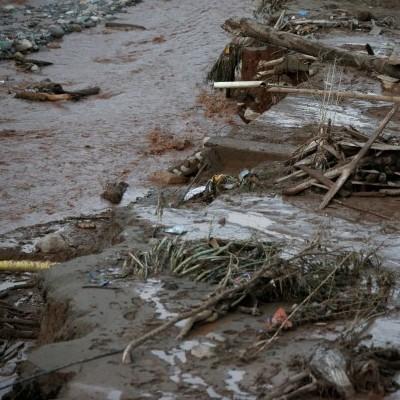 Масштабні зсуви в Колумбії: масово гинуть люди (відео)