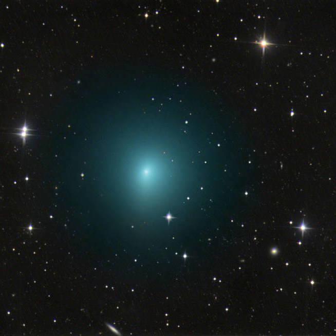 Рекордне наближення комети до Землі: буде видно неозброєним оком