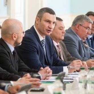 Віталій Кличко та «Нафтогазова Асоціація України» підписали меморандум про співпрацю у боротьбі з нелегальними газовими заправками