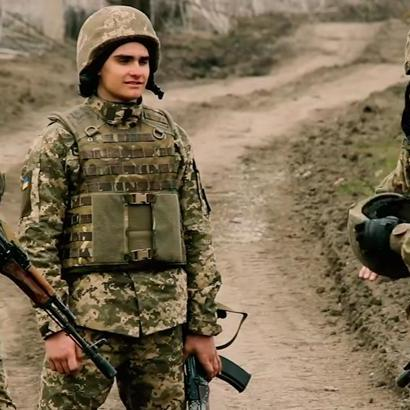 У мережі з'явилося відео тренування українських морпіхів біля Азовського моря (відео)