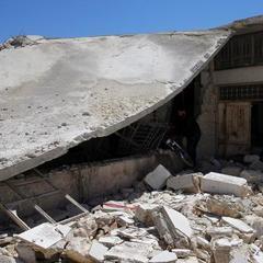 По постраждалому від хіматаки сирійському місту знову завдано авіаудару
