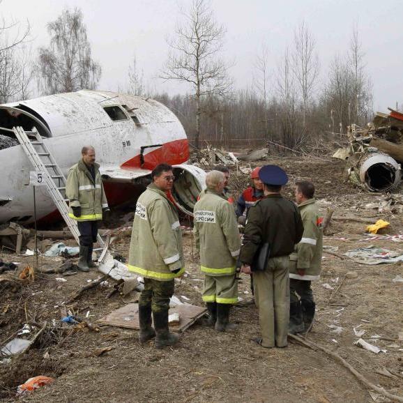 Смоленська катастрофа: літак Ту-154М почав розпадатися ще у повітрі