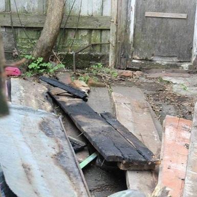 У Полтаві на подвір'я матері депутата кинули коктейль Молотова