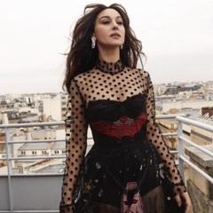 Моніка Беллуччі знялась в розкішній паризькій фотосесії (фото)
