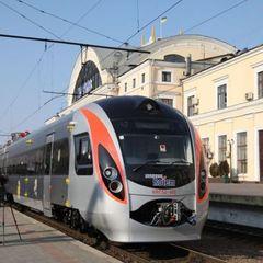 Подорожуємо без проблем: Укрзалізниця на Великдень запустить ще 20 додаткових поїздів