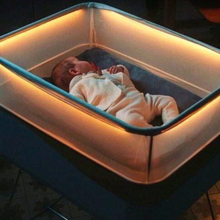 Компанія Ford винайшла колиску, в якій дитина засинає миттєво (відео)
