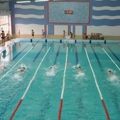 13-хлопчик, який втратив кінцівки на Донбасі став чемпіоном по плаванню