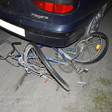 На Волині водій в стані алкогольного сп'яніння збив насмерть двох велосипедистів, є поранені (фото)