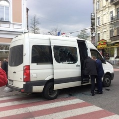 На Харківщині затриманий автомобіль, що перевозив боєприпаси з зони АТО