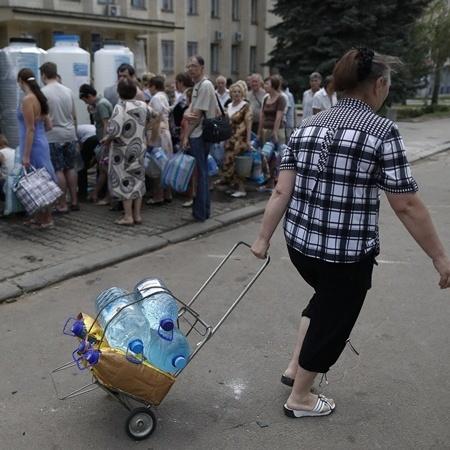 Блокада на Донбасі провокує старт «голодних бунтів»