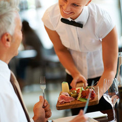 У Київраді пропонують зобов'язати офіціантів і продавців говорити українською