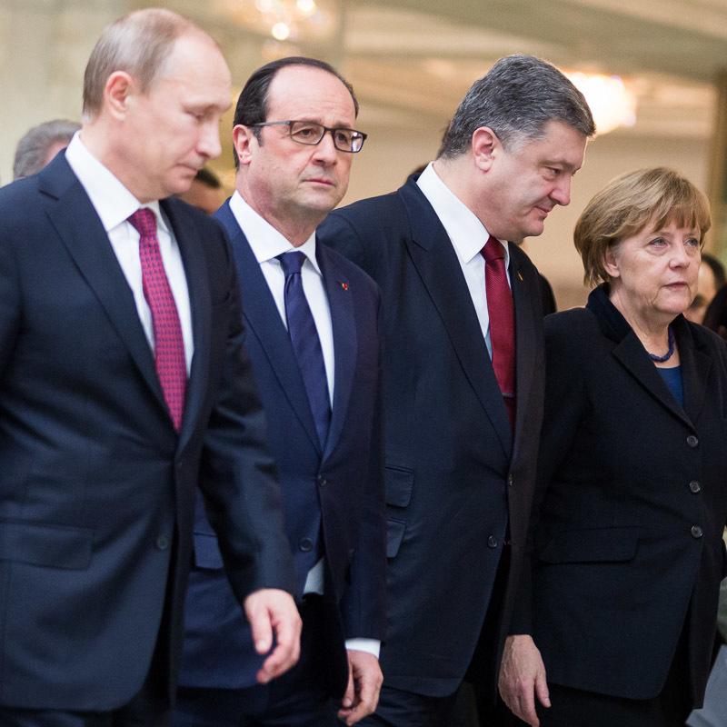 Кремль: Порошенко, Путін, Меркель і Олланд поговорили по телефону про Донбас
