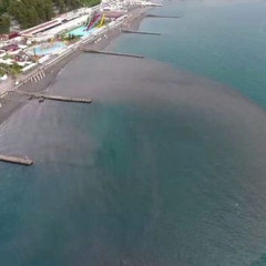 Узбережжя Сочі залило фекаліями (відео)