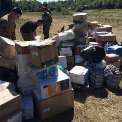 Бойовики обстріляли волонтерів, які везли пасхальні подарунки для українських бійців