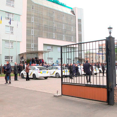 На територію Черкасиобленерго зайшли близько 30 озброєних осіб - поліція (фото, відео)