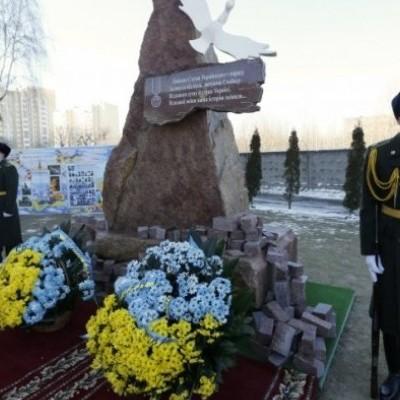 У Києві тимчасово демонтують меморіал Героям Небесної сотні