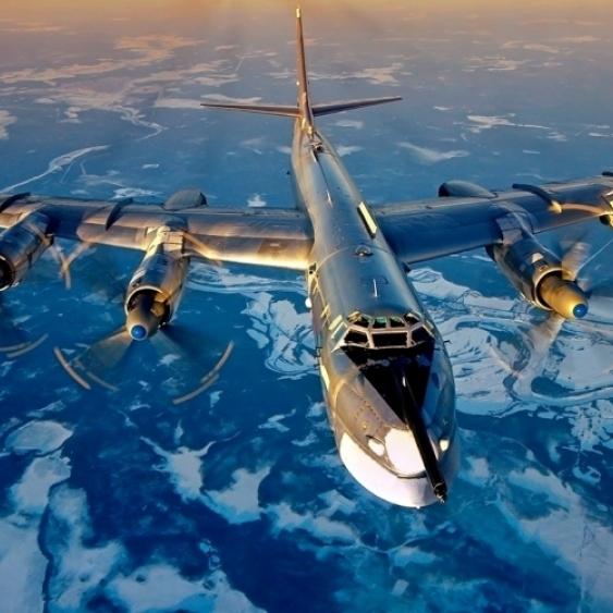 Російські бомбардувальники знову з'явилися біля кордонів США