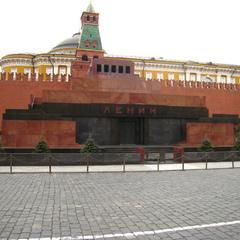 «Поки на Червоній площі тіло Леніна, прориву не буде» - депутати Держдуми замислилися про перепоховання Леніна