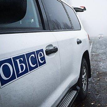 Автомобіль ОБСЄ підірвався в зоні АТО, є загиблі