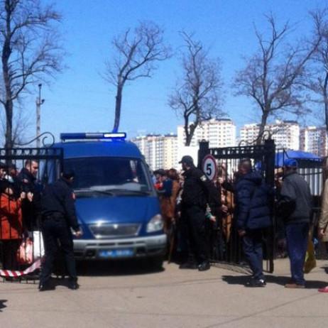 В Одесі замінували кладовище: евакуйовано 5 тисяч людей (фото)
