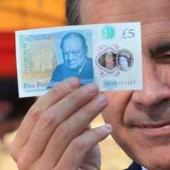 «З вами розмовляють п'ять фунтів, а не Вінстон Черчилль» - фахівці вказали на помилки на нових британських купюрах