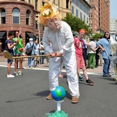 У США пройшов марш протесту проти екологічної політики Трампа
