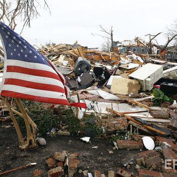 Жителі Техасу постраждали від потужного торнадо