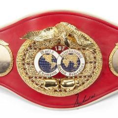 IBF пригрозила Джошуа позбавленням чемпіонського пояса