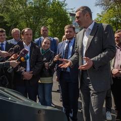 Віталій Кличко: «Ми почали встановлювати в Києві новий тип контейнерів для твердих побутових відходів»