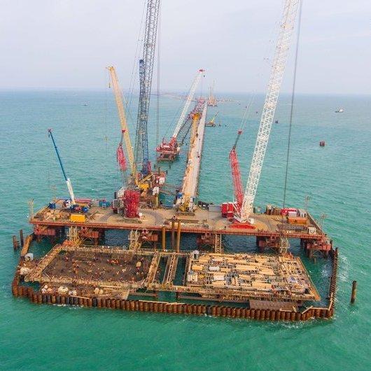 Опубліковано нові фото із будівництва керченського моста