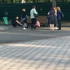 В центрі Харкова хлопець намагався перерізати собі вени (фото)